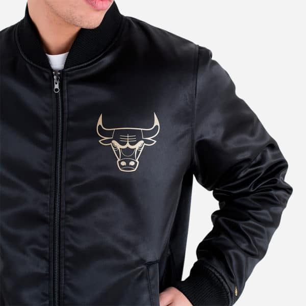 NEW ERA CAP BNG SATEEN BOMBER CHICAGO BULLS